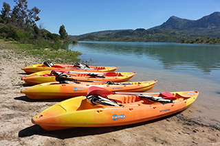 Kayaks en la Sierra de Grazalema. Alquiler o ruta con monitor.