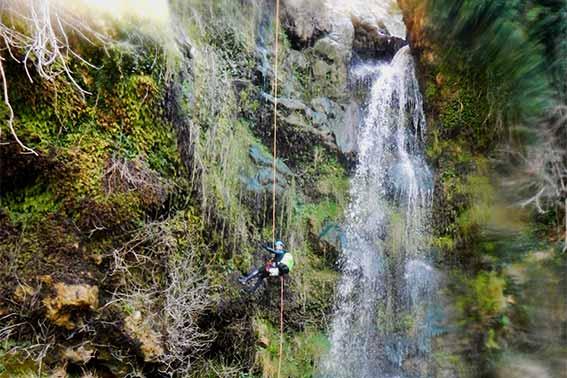 Descenso de barrancos en la Sierra de Grazalema, Alcornocales y Granada