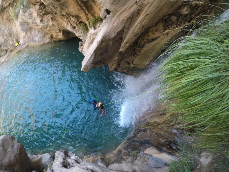 Río-Verde-barranco-con-aguas-cristalinas.